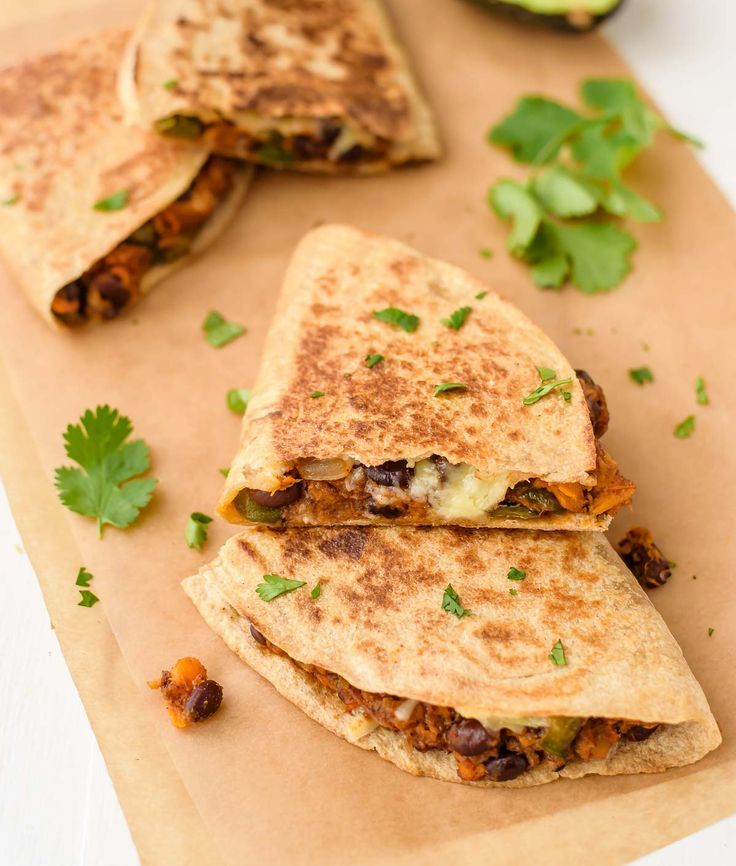 Sweet Potato Black Bean Quesadillas Are A Healthy Fast Vegetarian Meal Cheesy And Crispy With A Sweet Smo Vegetarian Dishes Recipes Sweet Potato Black Beans