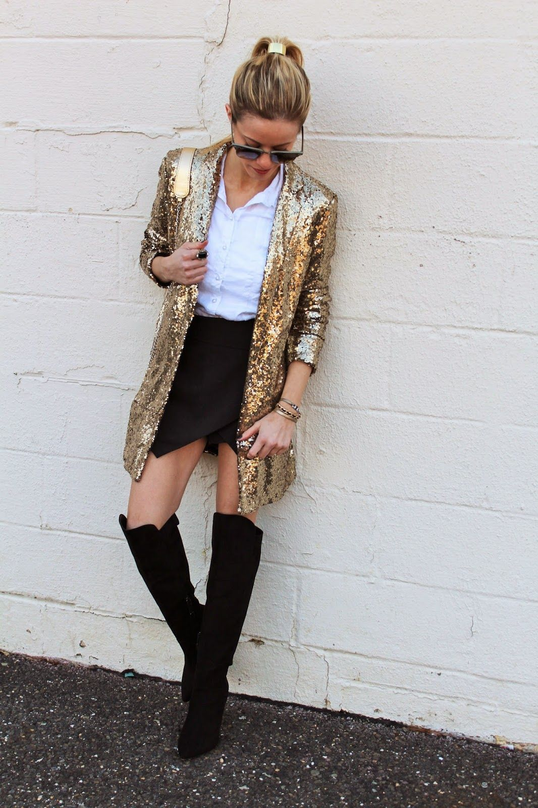 Kim of The Knotted Chain in the Name in Lights Sequin Blazer || Get the blazer: http://www.nastygal.com/clothes-outerwear-blazers/nasty-gal-name-in-lights-sequin-blazer?utm_source=pinterest&utm_medium=smm&utm_term=ngdib&utm_content=nasty_gals_do_it_better&utm_campaign=pinterest_nastygal