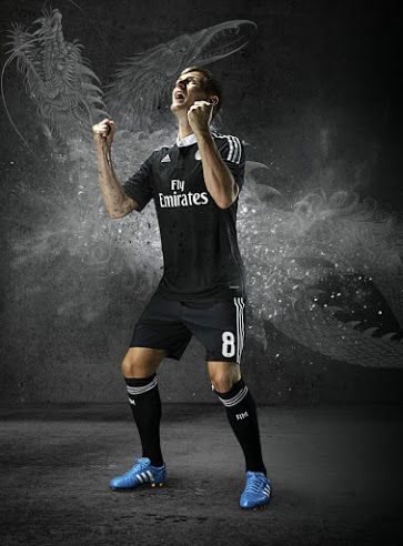 Pin By Shake Shuvarun On Instagram Pose In 2020 Real Madrid Real Madrid 3rd Kit Madrid