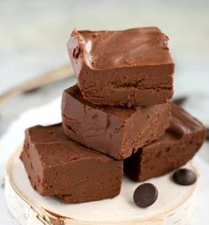 3-Ingredient Dairy Free Fudge | 11 Easy Dairy Free Recipes For Healthy Diet | https://homemaderecipes.com/dairy-free-recipes-easy-healthy/