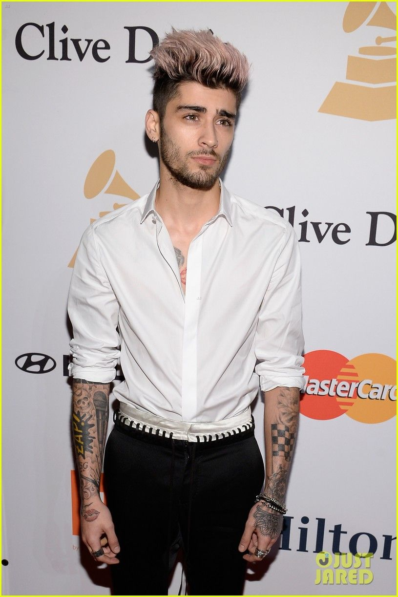 Harry Styles & Zayn Malik Both Party at Clive Davis' Pre-Grammys 2016 Gala: Photo #929205. Harry Styles mingles with the crowd while in attendance at the 2016 Clive Davis Pre-Grammys Gala held at The Beverly Hilton Hotel on Sunday (February 14) in Beverly…
