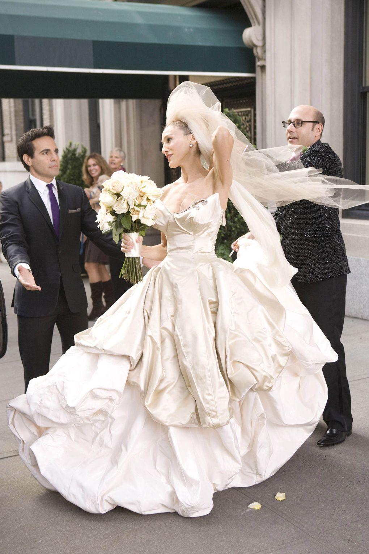 19+ Carrie bradshaw vivienne westwood wedding dress inspirations