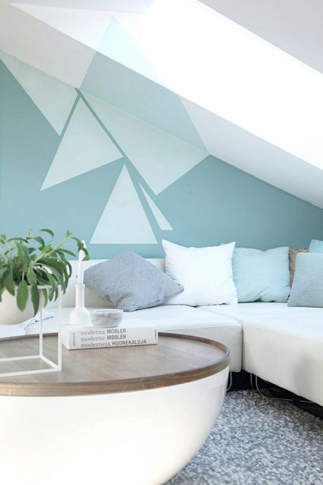 Wohnzimmer modern streichen muster  Wand streichen muster-ideen-wohnzimmer-dachschraege-gruentoene ...