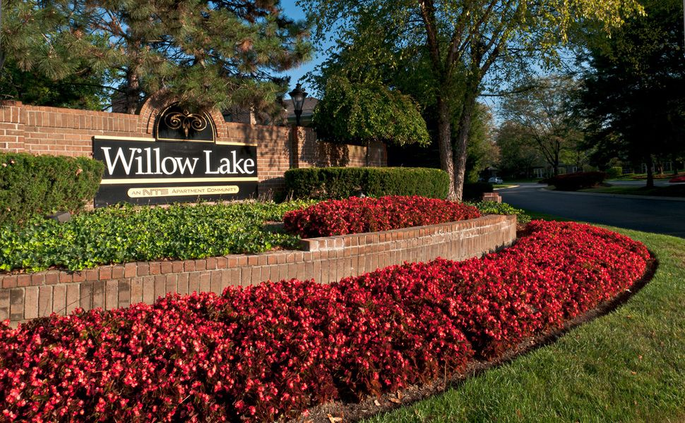 With easy access to i465 our luxury apartments are just