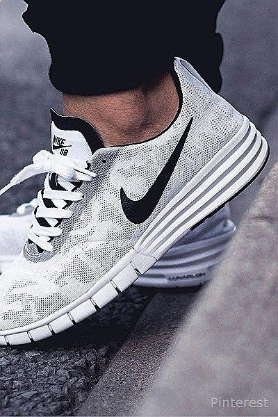 the best attitude d90a7 9748f Nike Shox, Nike Kwazi, Nike Roshe, Runs Nike, Fashion Moda, Fashion