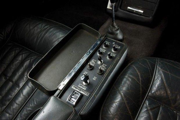 Aston Martin DB5 James Bond Movie Car - Gadgets Control Panel