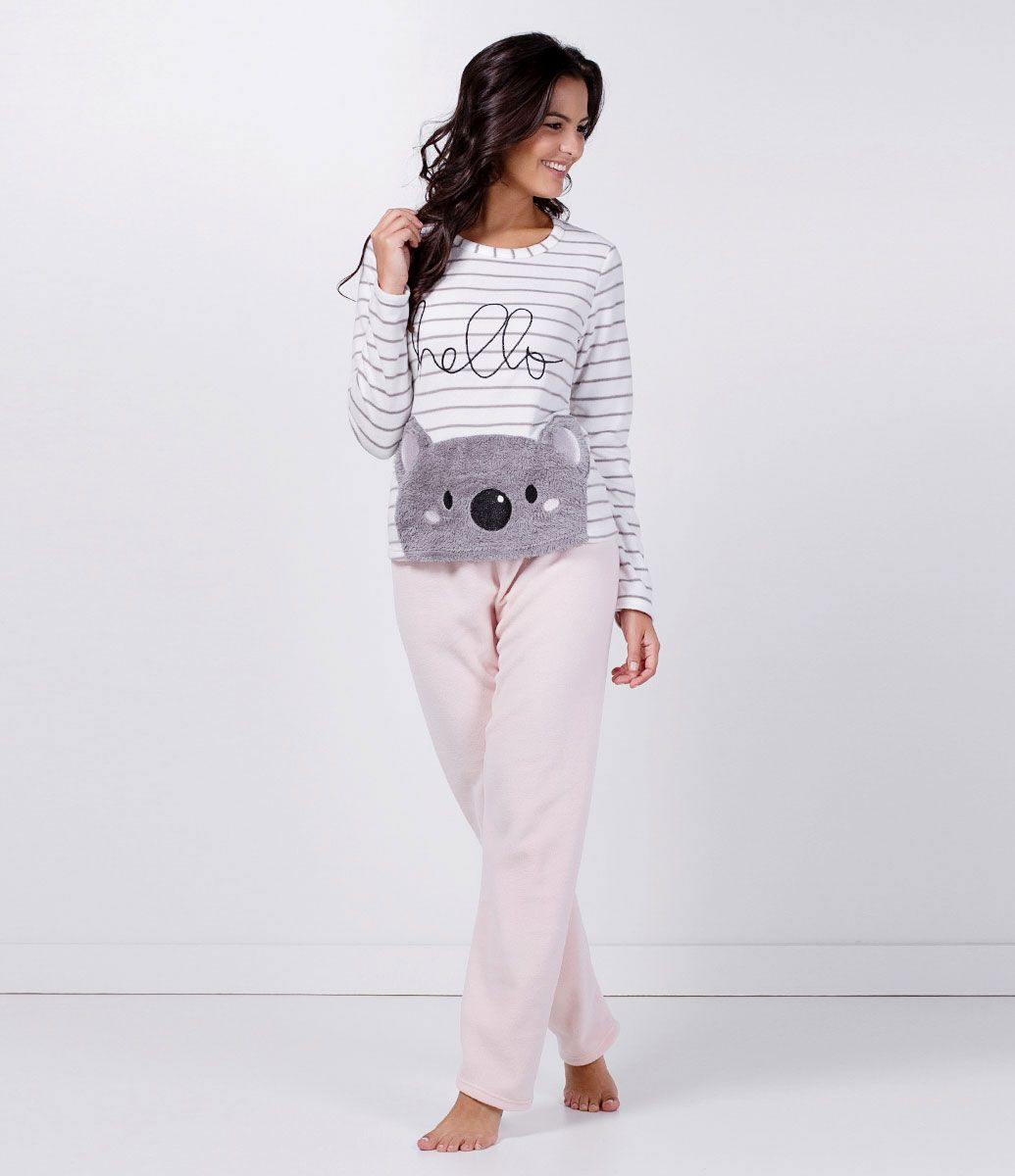6a6fd40f3 Pijama feminino Manga longa Com estampa de Coalas Listrado Marca: Lov  Tecido: fleece Composição: 100% poliéster Modelo veste tamanho: P Medidas  da Modelo: ...