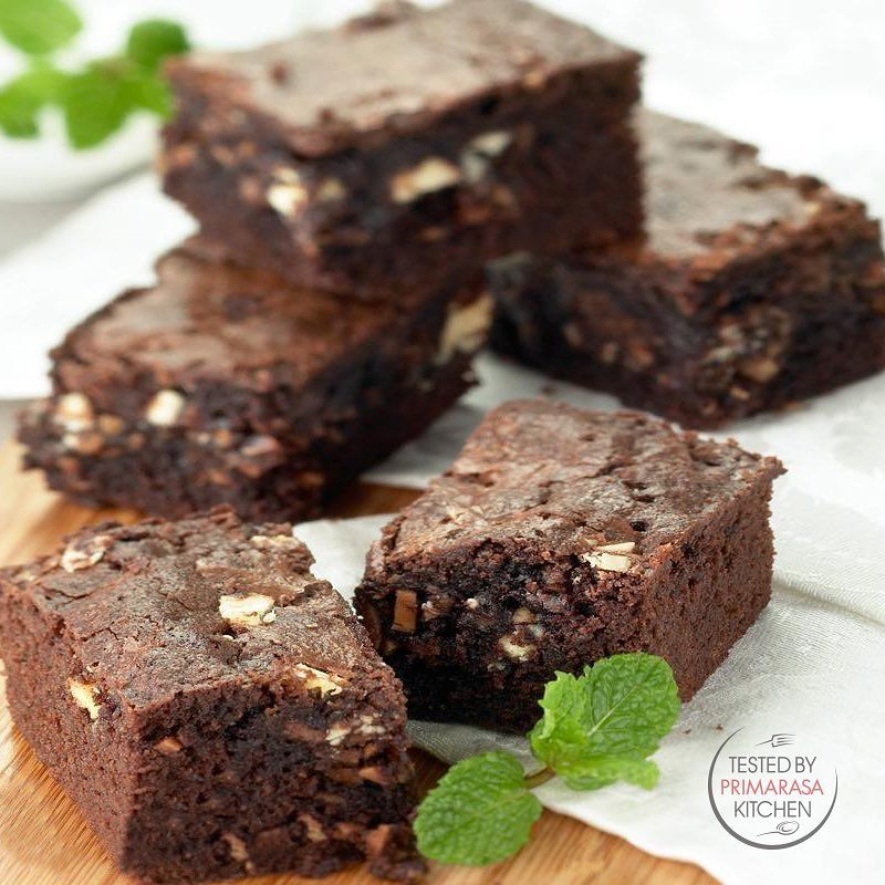 There S No Better Brownies Than Homemade Brownies Try This Triple Yes Triple Chocolate Brownies Recipe Link In 2020 Brownie Recipes Best Brownies Homemade Brownies