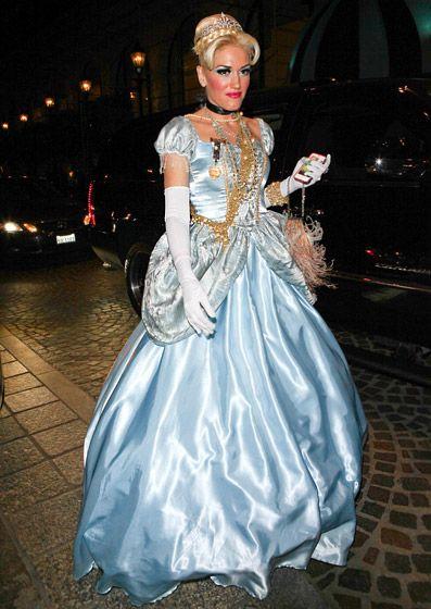 Cinderella Costume By Gwen Stefani // I Love This Beautiful Halloween  Costume! // #halloween #costume #gwenstefani #cinderella
