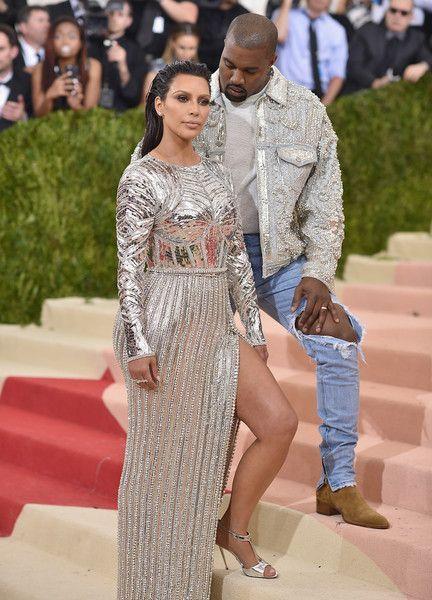 Kim Kardashian Photos Photos Manus X Machina Fashion In An Age Of Technology Costume Institute Gala Arrivals Met Gala Looks Fashion Kanye West And Kim