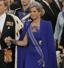 Queen Maxima in Dutch designer Jan Taminiau dress #dutchking #dutchqueen