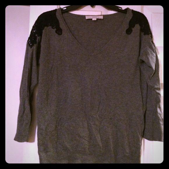 Anne Taylor Loft knit sweater size M Anne Taylor Loft size M sweater 3/4 sleeves, lace shoulders. 55% cotton 25% rayon 15% nylon and 5% silk LOFT Sweaters V-Necks