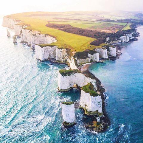Les Rochers du vieil Harry, dans le comté du Dorset, au Royaume-Uni https://www.15heures.com/photos/p/29808/ #LOL