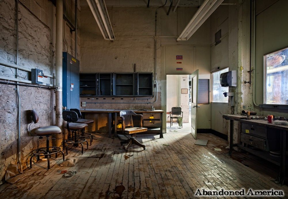 This Abandoned Chocolate Factory Was Built In 1903. What's Left Inside Seriously Gave Me The Creeps. [STORY]