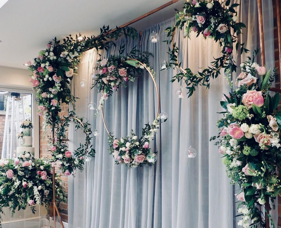 Wedding decorations backdrop  Statement ceremony backdrops are my absolute faves like this one