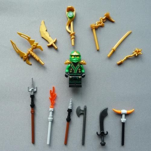 lego ninjago green ninja lloyd zx exclusive w gold. Black Bedroom Furniture Sets. Home Design Ideas
