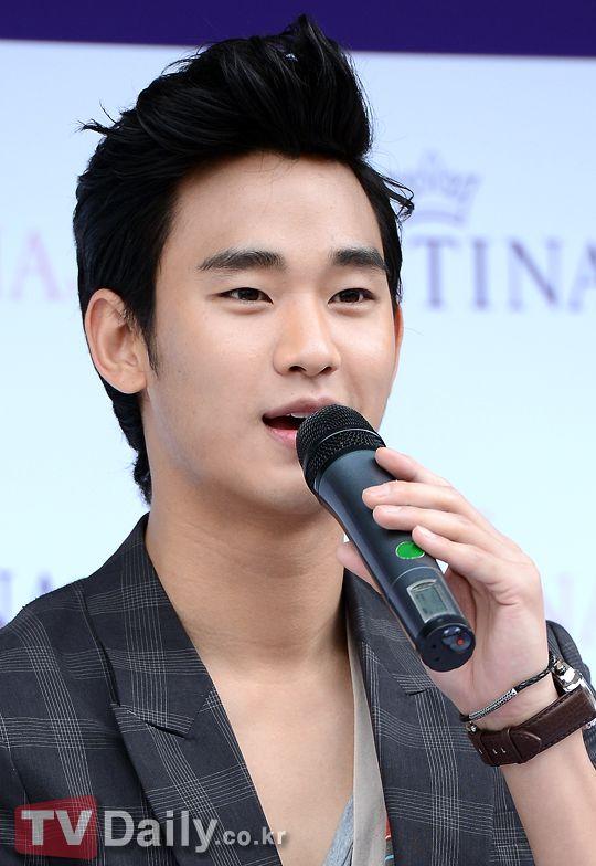 [June 10th 2012] Kim Soo Hyun (김수현) on J.ESTINA Fan Signing Event at Lotte Department Store (Jamsil Branch) #27 #KimSooHyun #SooHyun #JESTINA