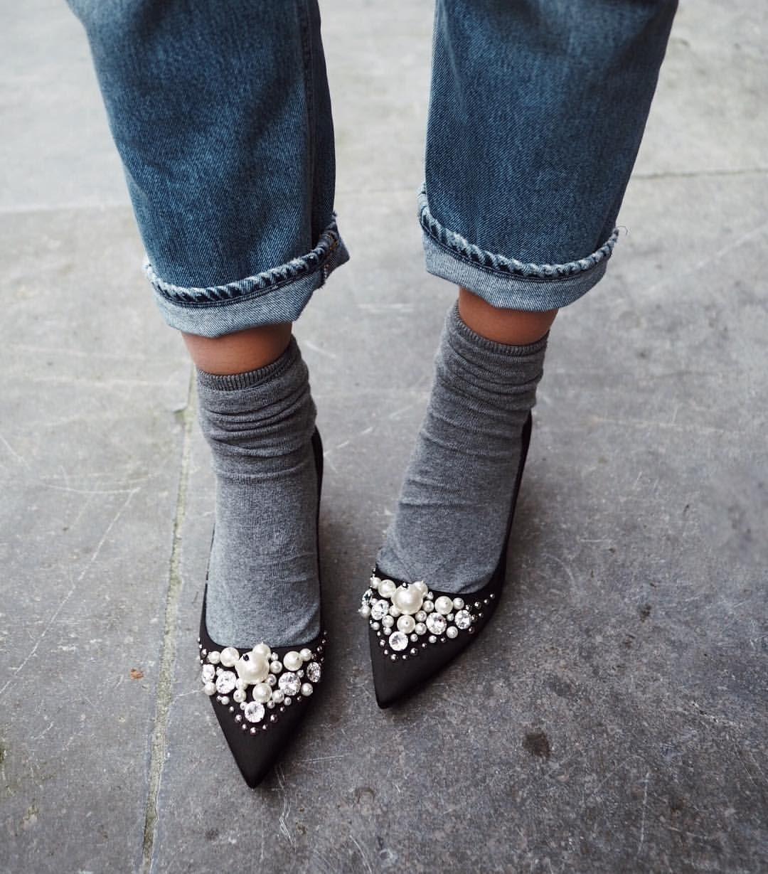 """1,780 likerklikk, 70 kommentarer – Anouk Yve (@anoukyve) på Instagram: """"Post december: recycle your party heels in a winter way #happyfeet @miumiu"""""""