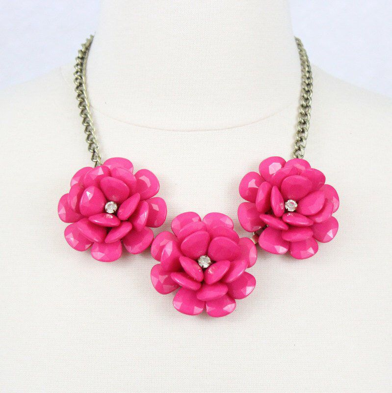 Fuchsia Flower Necklace 3 Big Flower Necklace Pink Beaded Rose Necklace Statement Necklace Br Beaded Necklace Statement Jewelry Necklace Statement Necklace