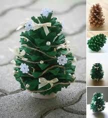 adornos navideos reciclados faciles Pinitos con pias