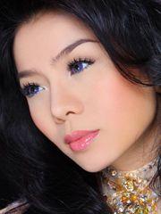 Hình ảnh gương mặt ca sĩ Lệ Quyên sắc nét cực đẹp, bức hình cận cảnh cô nàng xinh đẹp, một tài năng mới của làng ca nhạc Việt