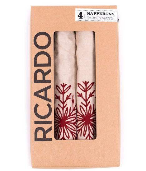 Ens. de 4 napperons tissés en 100% coton fin chambray avec flocon rouge et broderie contrastante de chaque côté.
