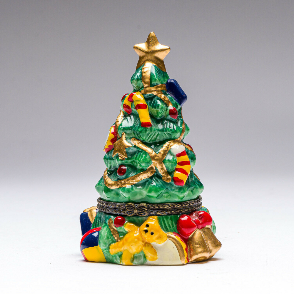 Vintage Porcelain Christmas Tree Trinket Box In 2020 Vintage Porcelain Trinket Boxes Christmas Collectibles