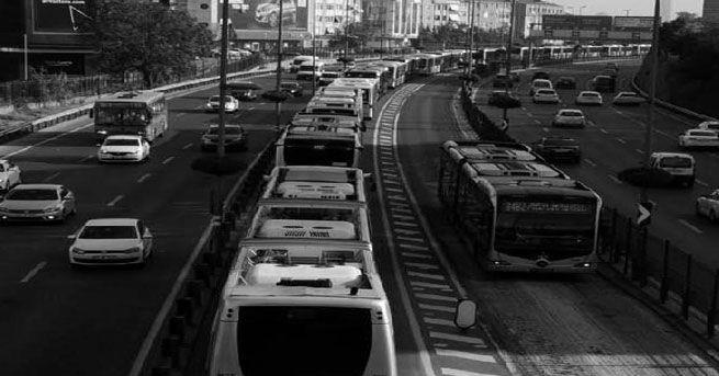 Metrobüs şoförleri 'rahatsız': Robot değil, İstanbul ulaşımının günah keçileriyiz