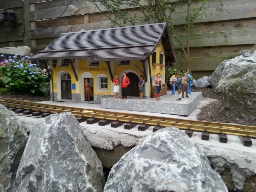G-scale station