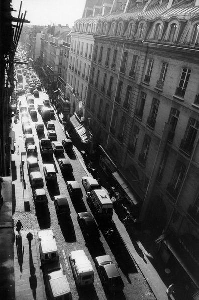 Rue du Faubourg-Saint-Denis, Paris.  Photo Serge Sautereau (www.serge-sautereau.com)