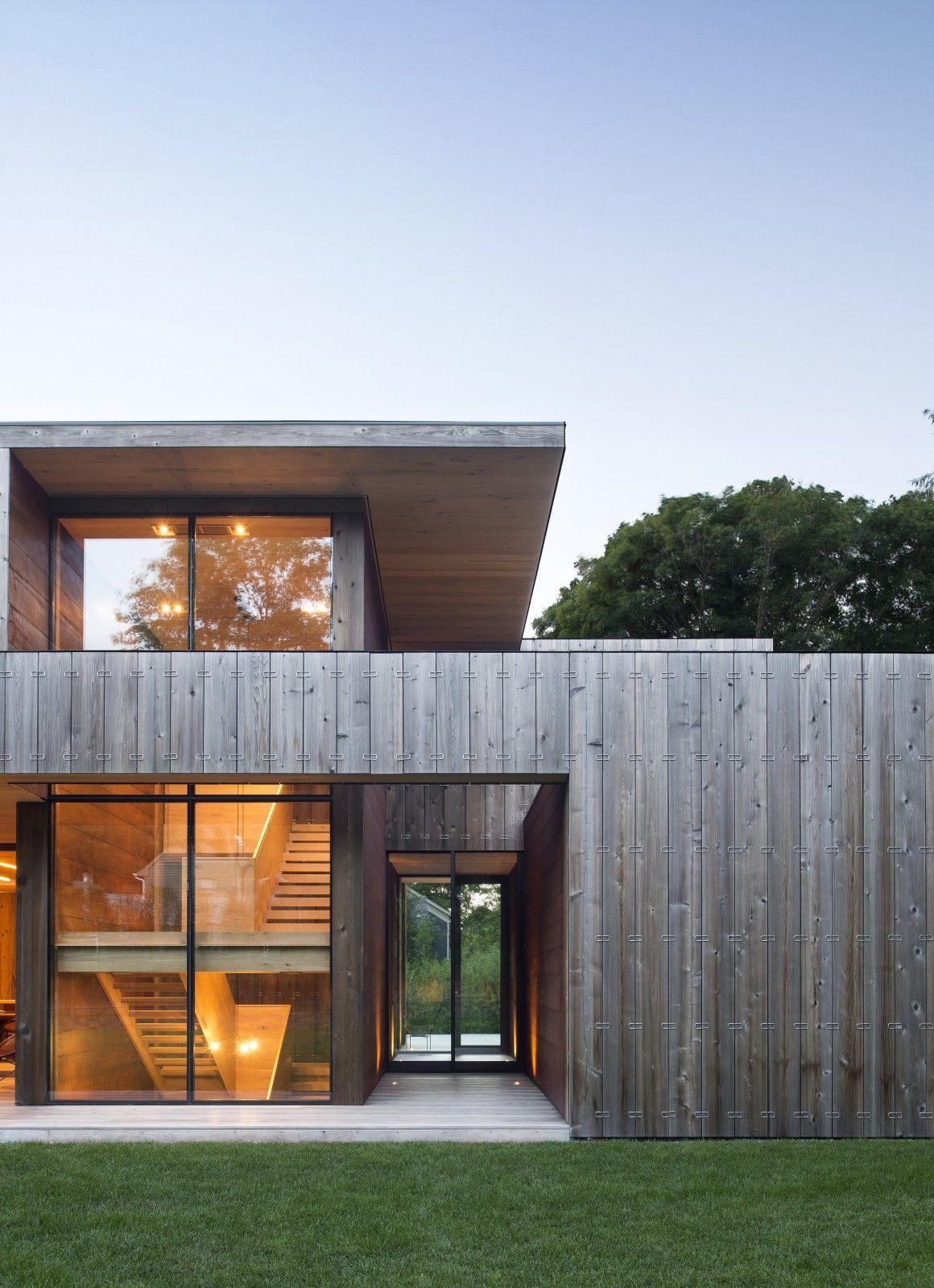 Graue Holzfassade im Mix mit viel Glas (mit Bildern