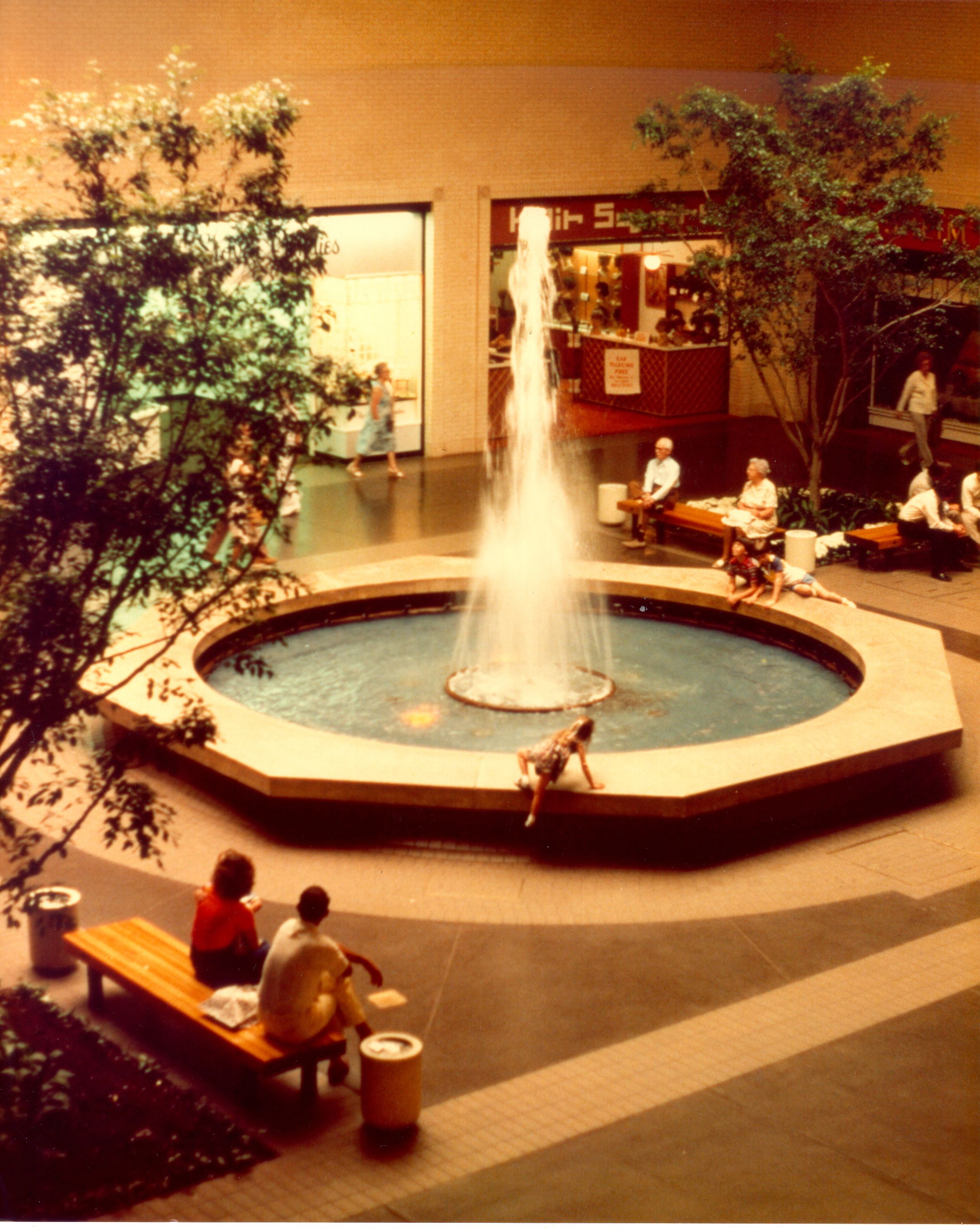 Circa 1980 Dallas Shopping Vintage Mall Fountain