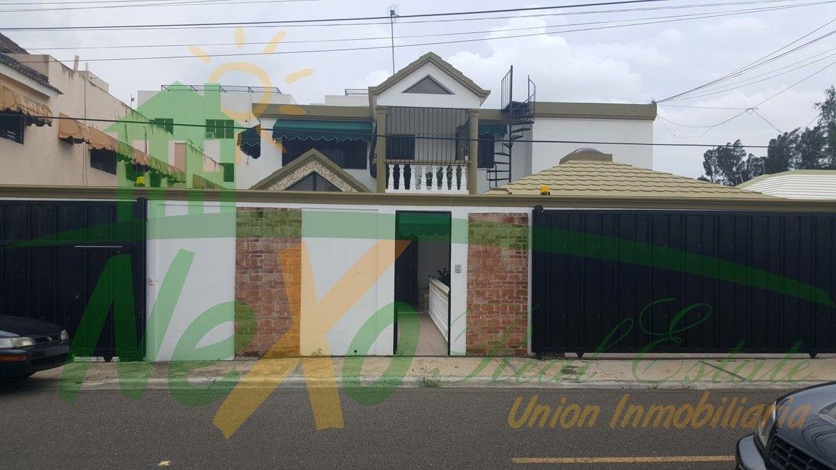 OPORTUNIDAD: Dos Casas en Una con Accesos Separados Urb. Las Dianas (HFC-114)