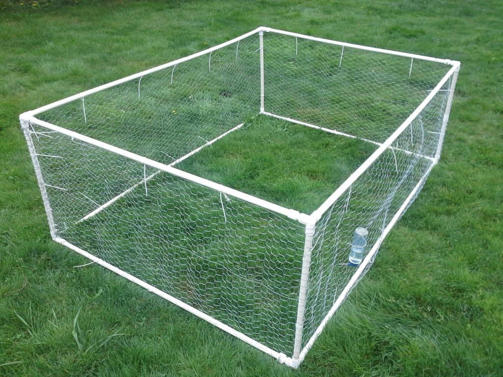 Way too crafty for me but in case i ever feel crafty for Pvc rabbit cage