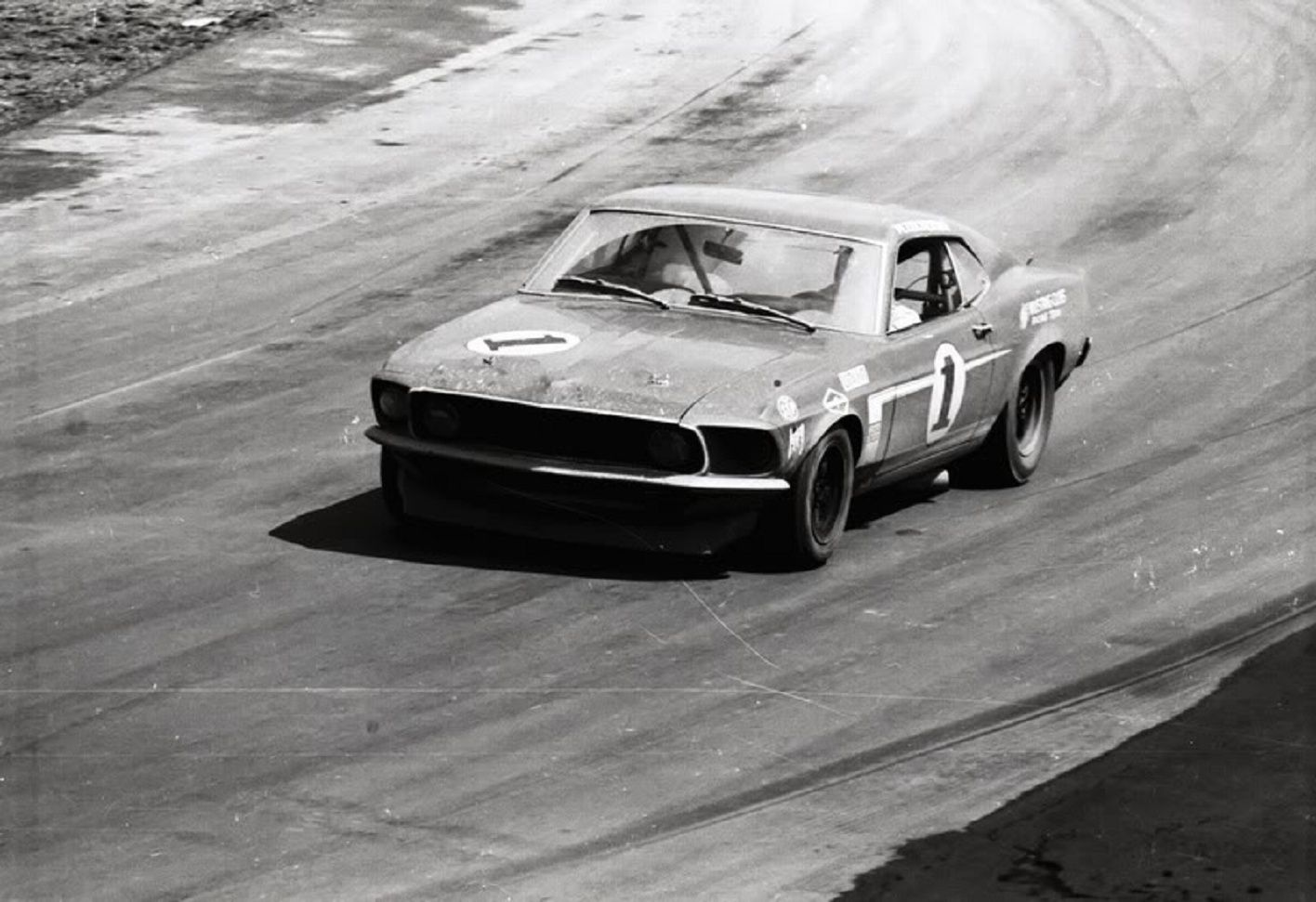 Peter Revson in his Boss 302 Trans Am Mustang.