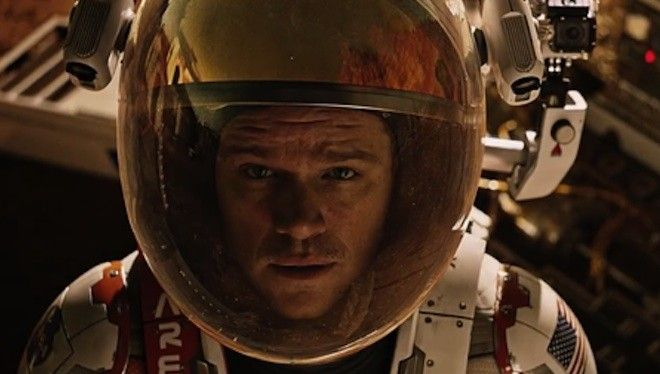 Matt Damon intenta sobrevivir en la epopeya de Ridley Scott