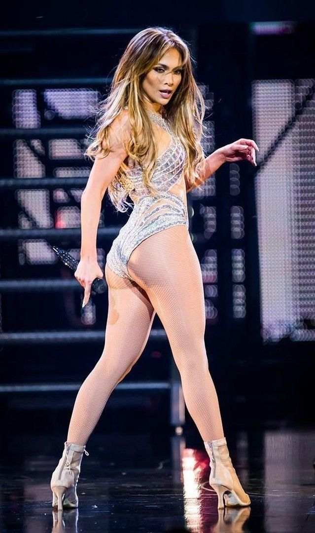 3f4a7f32f581 WATCH  Jennifer Lopez s Best Performances in Spanish!