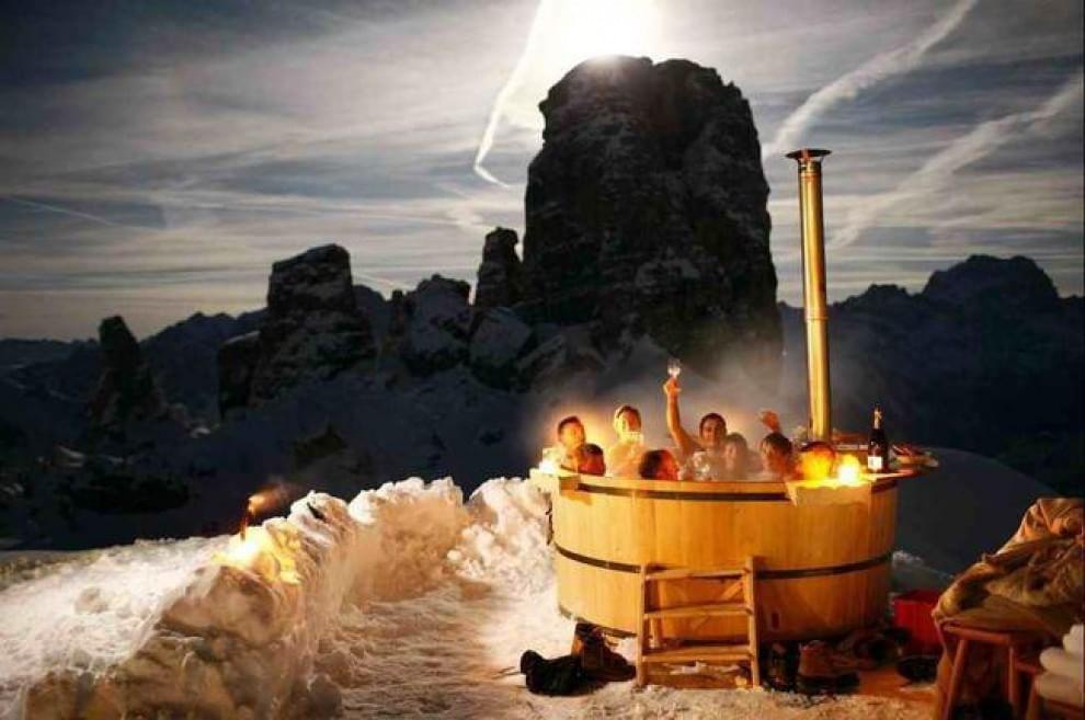 Freddo fuori e caldo dentro le pi belle vasche da bagno for Bagno caldo durante il ciclo