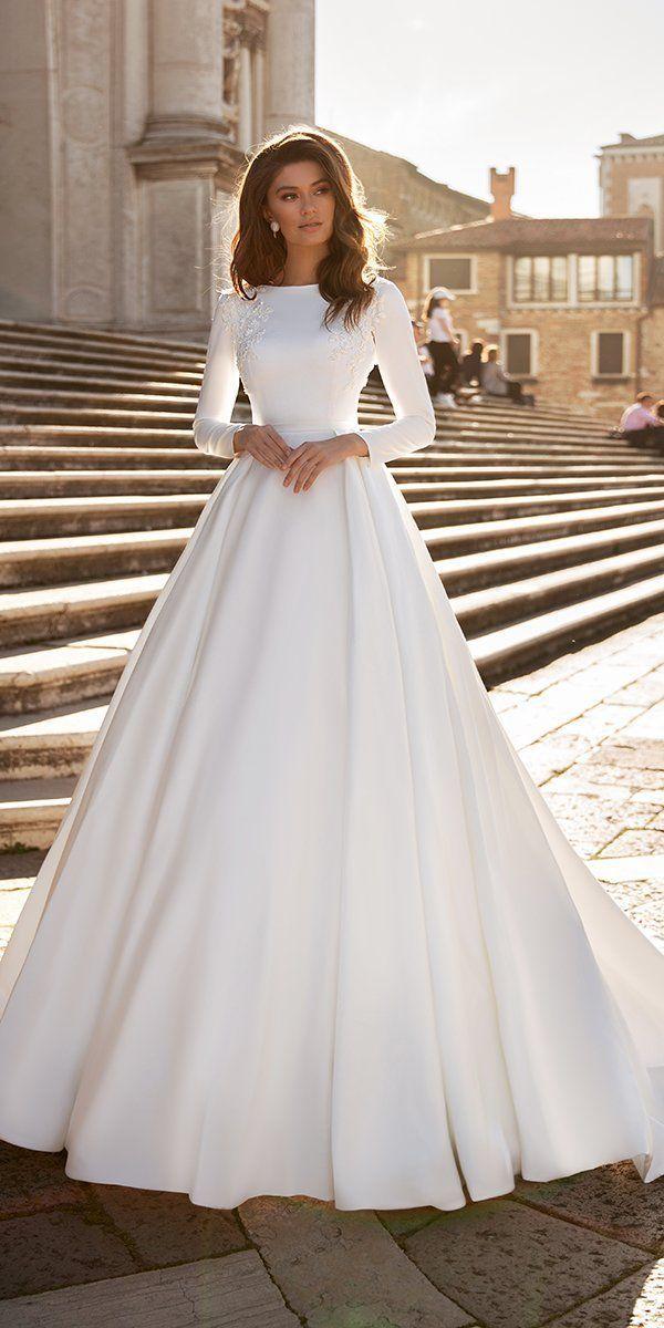 36 Chic Long Sleeve Wedding Dresses Wedding Forward In 2020 Long Sleeve Wedding Dress Simple Stunning Wedding Dresses Long Wedding Dresses