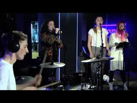 Clean Bandit Rather Be Bbc Radio 1 Live Lounge 2014 Muziek Live