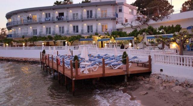 Hotel Restaurant Juanito Platja - 1 Star #Hotel - $95 - #Hotels #Spain #SantCarlesdelaRàpita http://www.justigo.uk/hotels/spain/sant-carles-de-la-rapita/restaurant-juanito-platja_16980.html