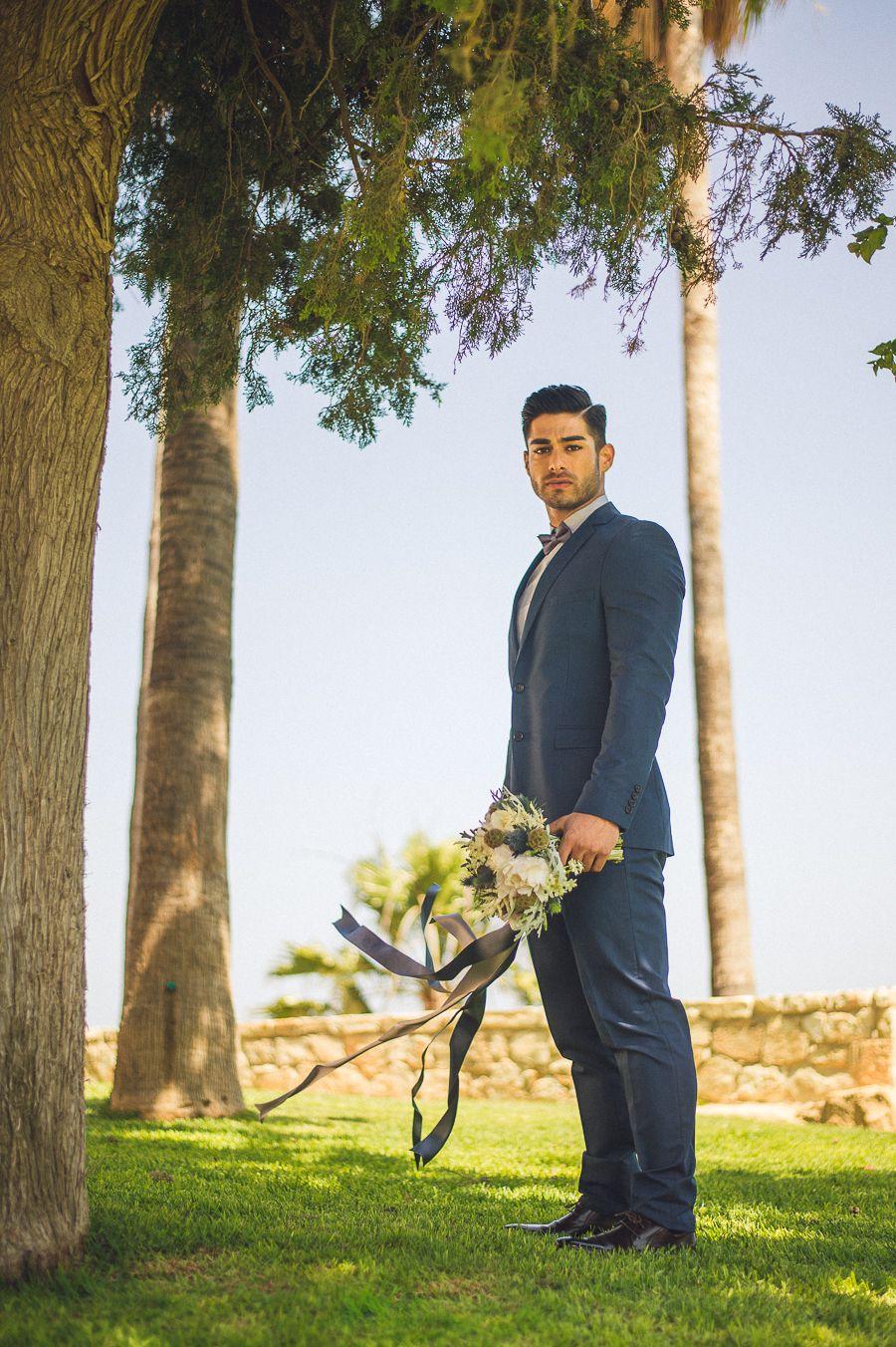 navy blue groom or groomsmen attire