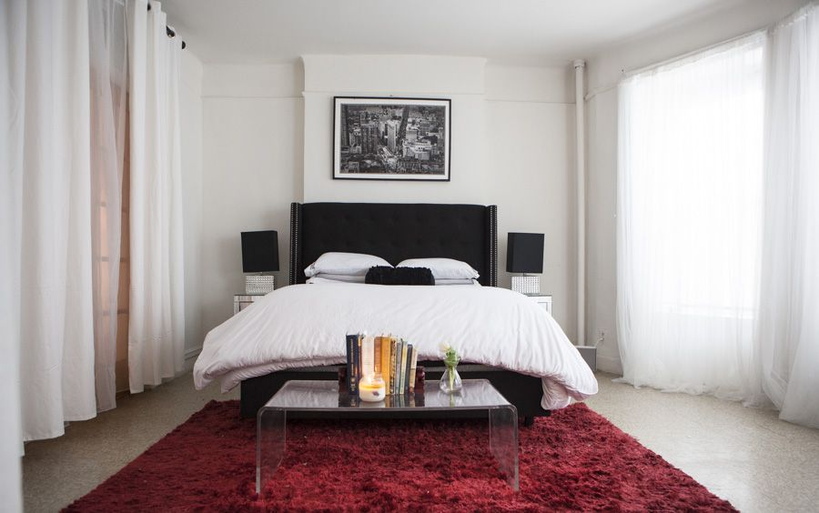 alaska and kimberly gedeon 39 s white minimalist bedroom with red rug spaces bedroom rugs