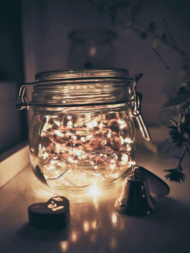 Diy Hochzeitsdeko Glaser Mit Gluhwurmchen Lichter Leuchten