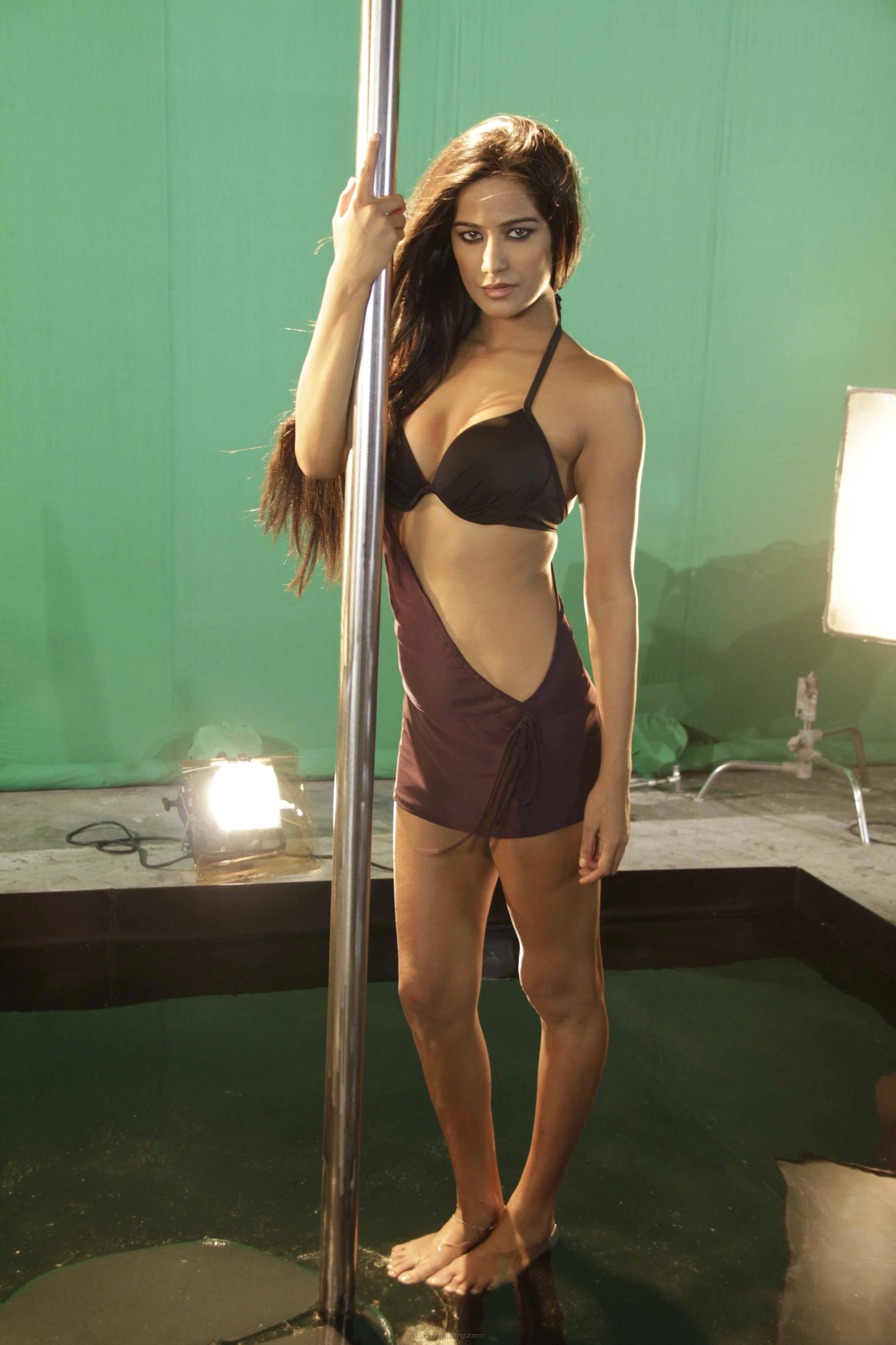 Celebrity Poonam Pandey naked (76 foto and video), Tits, Paparazzi, Instagram, underwear 2019