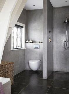 badkamer inspiratie | kleine badkamer met afgescheiden toilet door, Deco ideeën