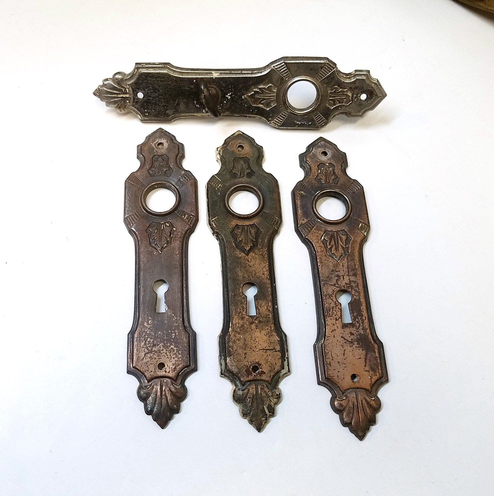 Steampunk Keyhole Wall Decor with Knob Rustic Chic Shabby Antique White Set of 3