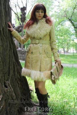 Утепленное зимнее пальто отделка кожа