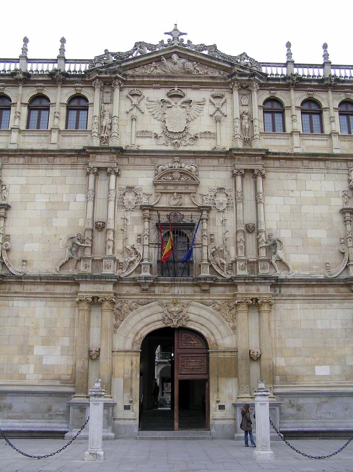 Fachada Universidad de Alcalá de Henares, Madrid.