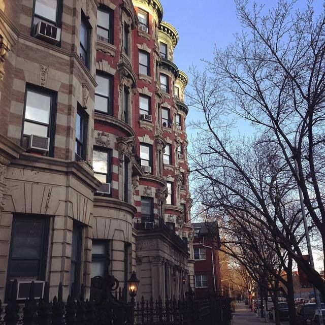 It's amazing how a simple stroll down a block like this can lift your spirits.#Brooklyn  https://www.facebook.com/idealpropertiesgroup/photos/a.437113292977802.94994.113361655352969/926283440727449/?type=1